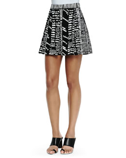 Printed Pleated Shorts, Black/White