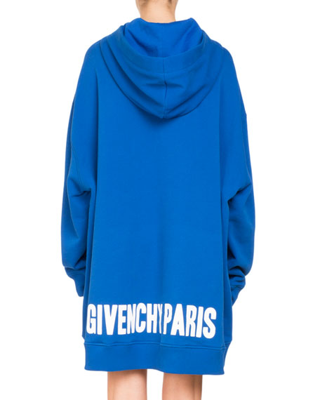 Oversized Hooded Sweatshirt w/ Logo