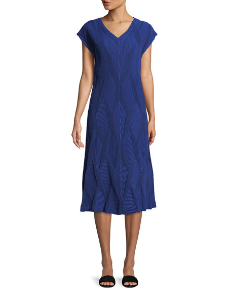 V-Neck Diamond Pleated Dress