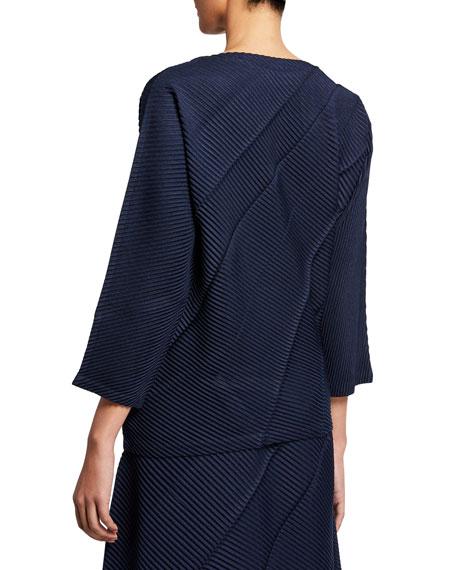 Swell Pleats 3/4-Sleeve Top