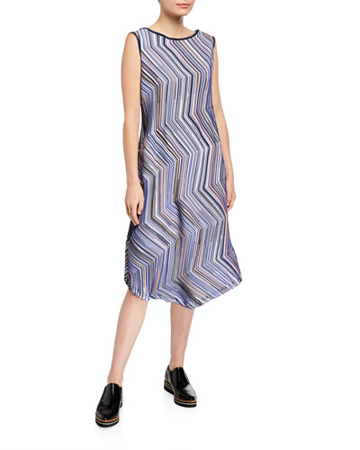 Dotted-Line Sleeveless A-Line Dress