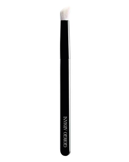 Giorgio Armani Large Maestro Contouring Eye Brush