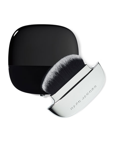 Accomplice Instant-Blur Finishing Powder with Brush