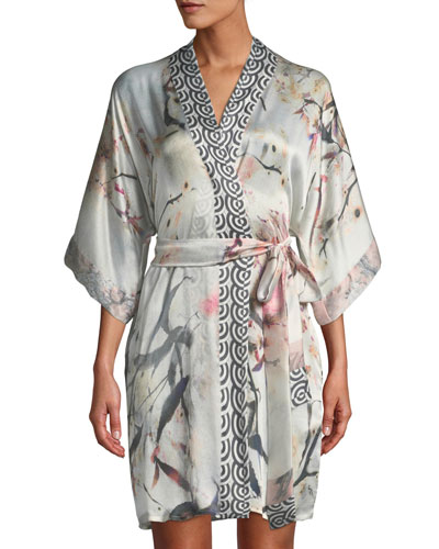 Nightingale Short Silk Robe