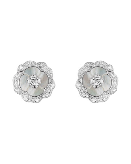 BOUTON DE CAMELIA Earrings in 18K White Gold, Cultured Pearls, Mother-of-pearl and Diamonds