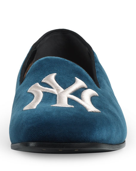 6f7a700e10a6d Gucci Men s Fold-Down Velvet Loafers with NY Yankees™ Patch
