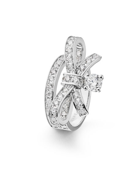 Ruban Large 18K White Gold Ring with Diamonds