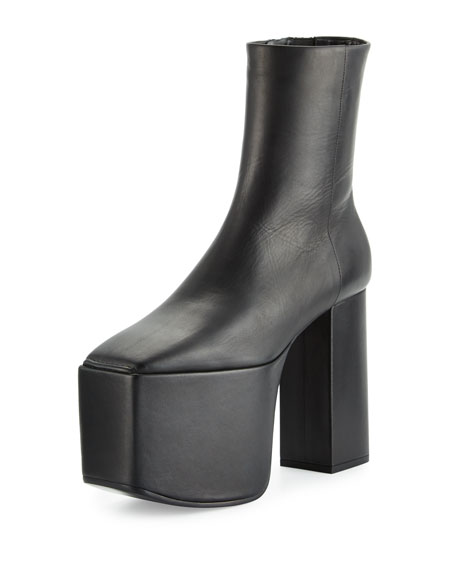 Wayio Leather Super Platform Bootie, Noir