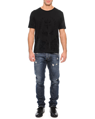 Tonal Flocked Crown/Bee Graphic Tee & Medium-Wash Distressed Denim Jeans