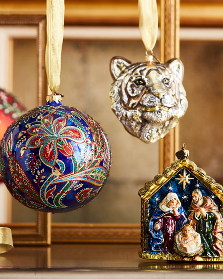 Large Ornament Stand