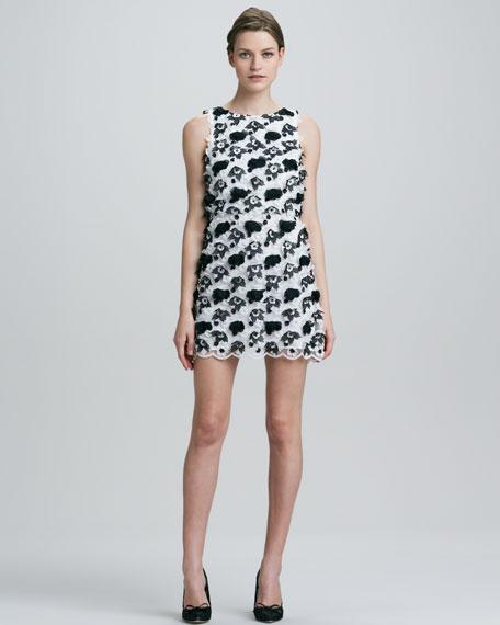 Mackynzie Sleeveless Applique Dress