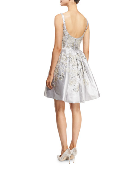 Embroidered Sleeveless Scoop-Neck Cocktail Dress, Silver