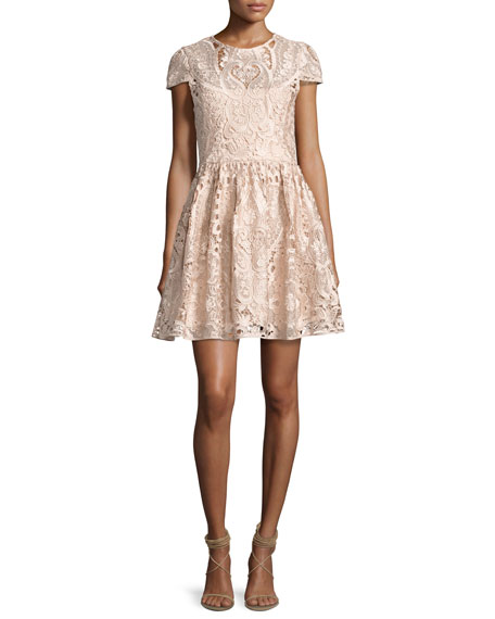 Alice + Olivia Gracia Cap-Sleeve Lace Cocktail Dress,