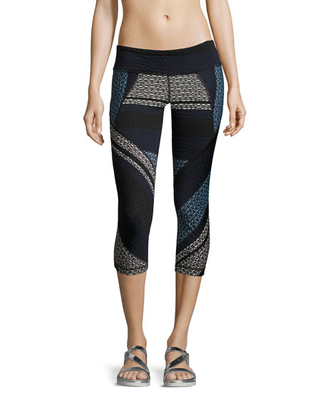 Vimmia Adventure Textured Capri Leggings, Navy
