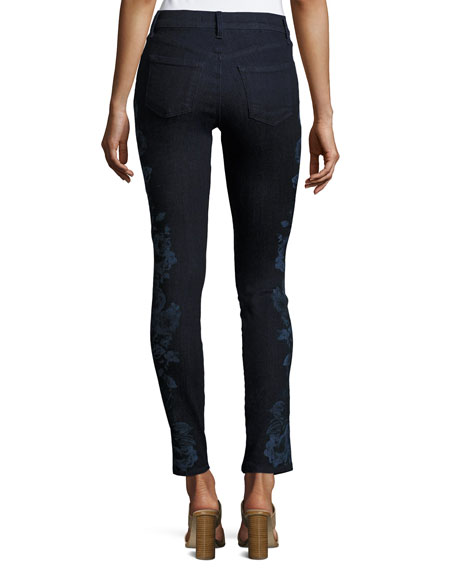 620 Mid-Rise Super Skinny Jeans, Blue Pattern
