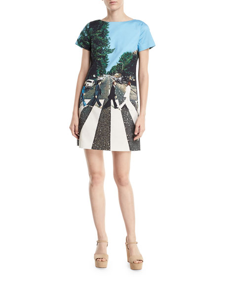 351ccc34f1 Alice + Olivia Mani Short-Sleeve Graphic T-Shirt Dress