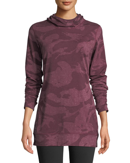 The North Face  BASELAYER CAMO-PRINT HOODED ACTIVEWEAR TOP
