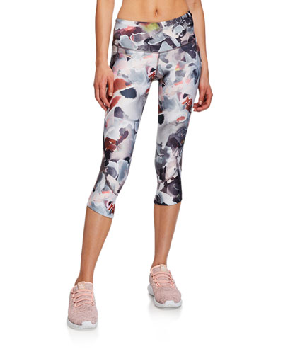 Fly Fast Printed Capri Leggings
