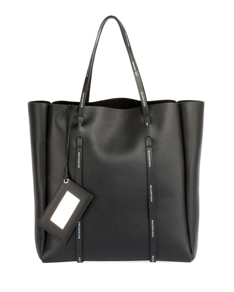 Medium Everyday Calfskin Tote - Black in 1070 Black
