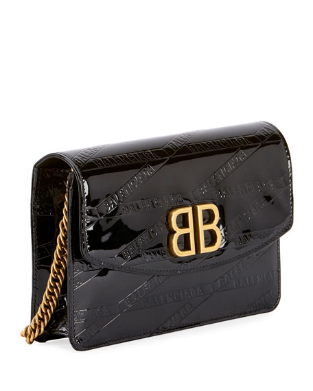 BB Logo-Embossed Patent Wallet On Chain - Golden Hardware
