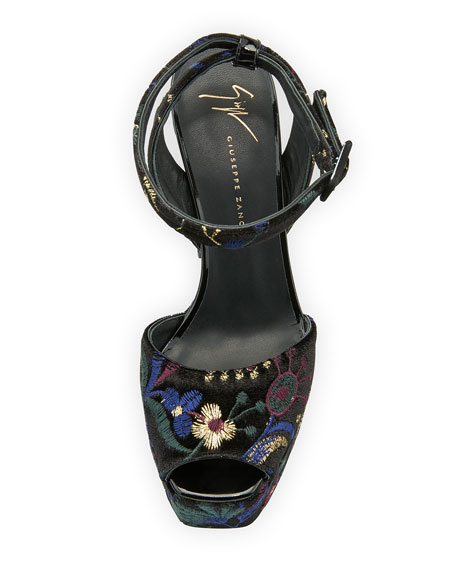 Embroidered Platform 100mm Sandal, Black/Multi