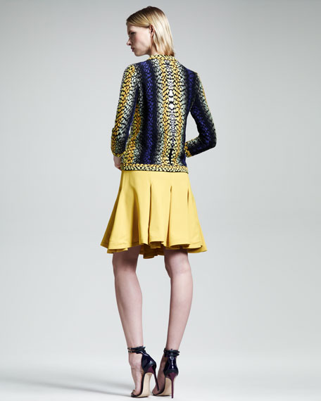 Shagreen-Pattern Short Trumpet Skirt