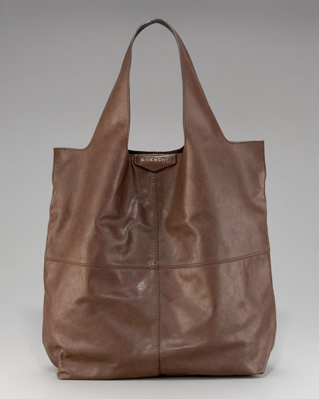 George V Shopper, Medium