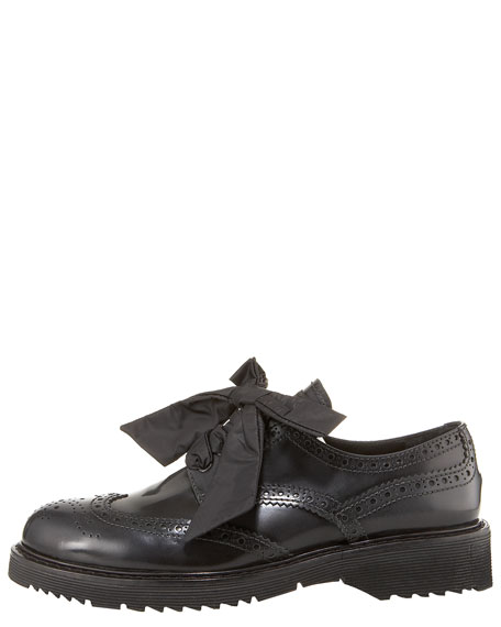 Lace-Up Leather Brogue