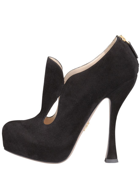 Teardrop Cutout Ankle Boot