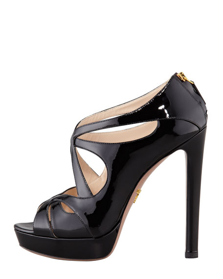 Vernice Leather Zip-Back Sandal, Black