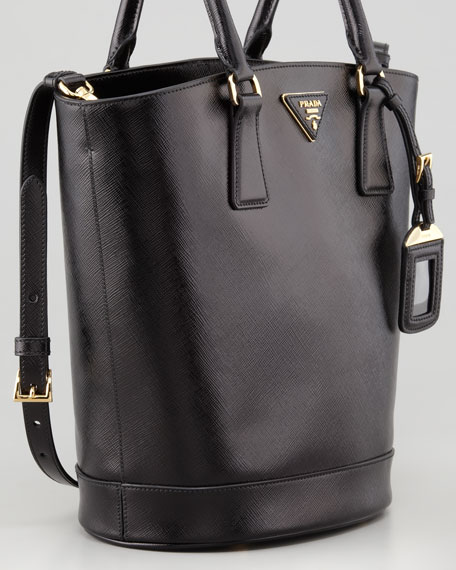 Saffiano Vernice Bucket Bag, Nero
