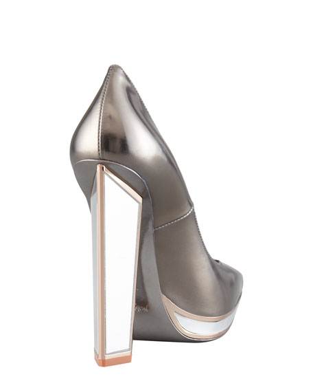 Metallic Mirror-Heeled Pump