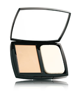 CHANEL DOUBLE PERFECTION<br>Natural Matte Powder Makeup SPF 10