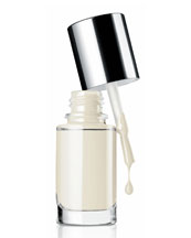 Clinique A Different Nail Enamel for Sensitive Skins, Call My Bluff