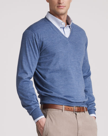 Fine-Gauge V-Neck Sweater, Danubio