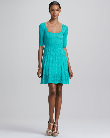 Half-Sleeve Wavy Knit Dress