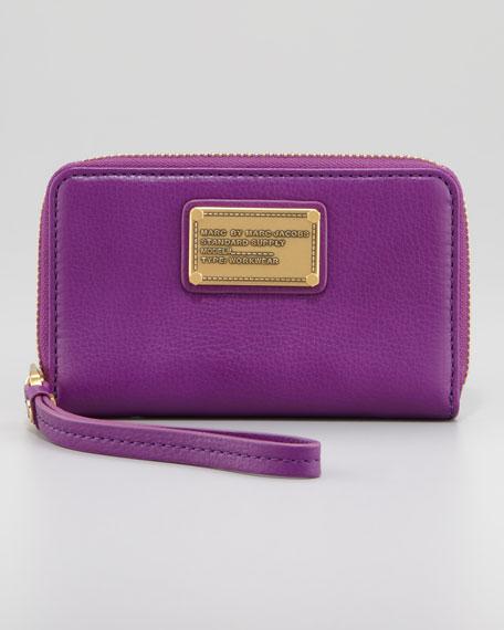 Classic Q Wingman Wallet, Violet