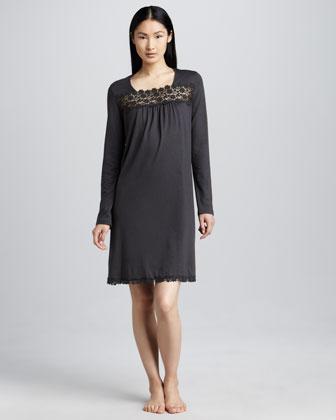 Hanro Medea Lace-Trim Gown - Bergdorf Goo