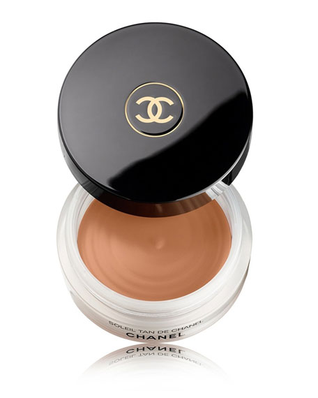 <B>SOLEIL TAN DE CHANEL</b><BR>Bronzing Makeup Base