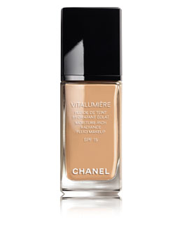 CHANEL <b>VITALUMIÈRE</b> <br>Moisture-Rich Radiance Sunscreen Fluid Makeup Broad Spectrum SPF 15