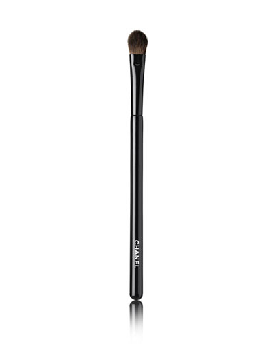 LES PINCEAUX DE CHANEL FLAT EYESHADOW BRUSH