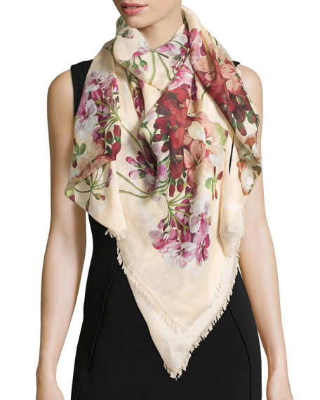 New Blooms Square Shawl, White/Pink