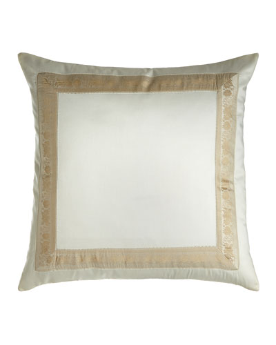 Garland Pillow  22Sq.