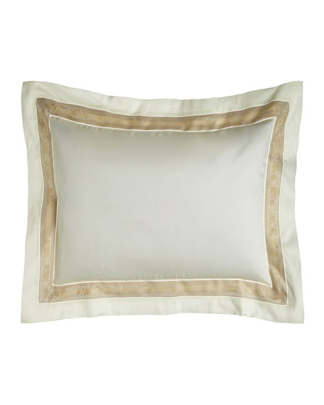 Nancy Koltes Standard 300 Thread Count Garland Pillowcase