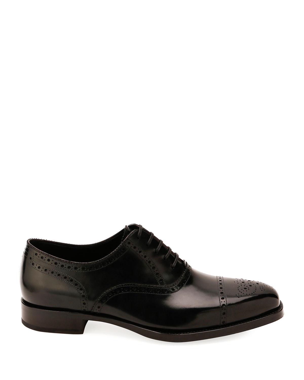 TOM FORD Dresses Men's Dress Shoe in Brogue