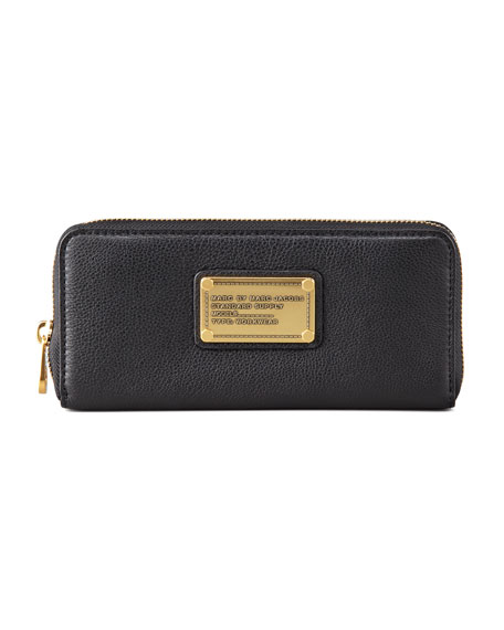 Classic Q Slim Zip Continental Wallet, Black