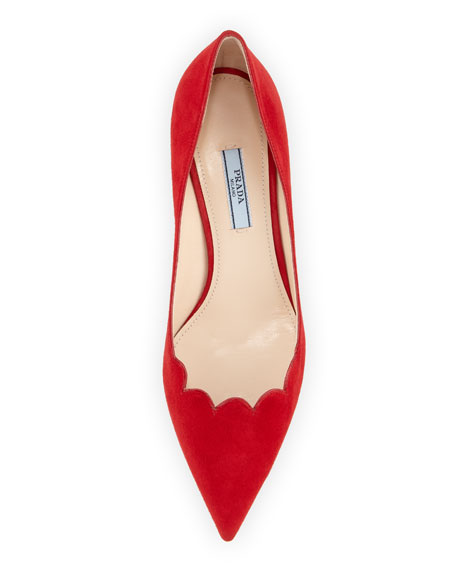 Decolette Scallop Suede Pump