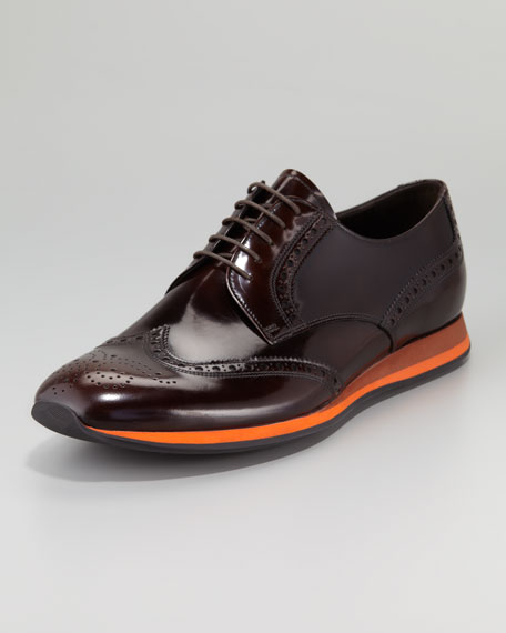 Contrast-Sole Wing-Tip Shoe