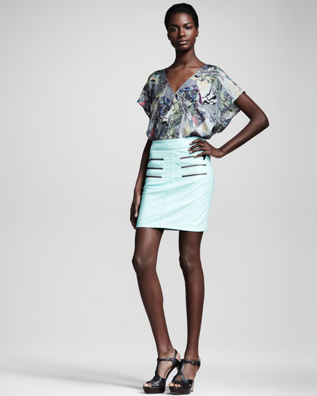 Figurine Faux-Leather Skirt