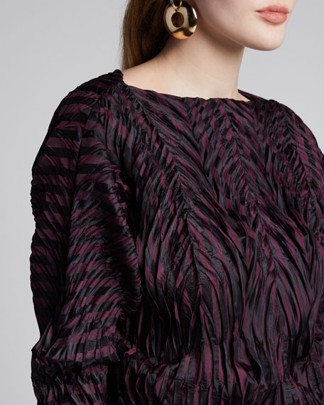 Winding Pleats 3/4-Sleeve Top